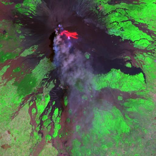 Mount Etna, using SWIR band