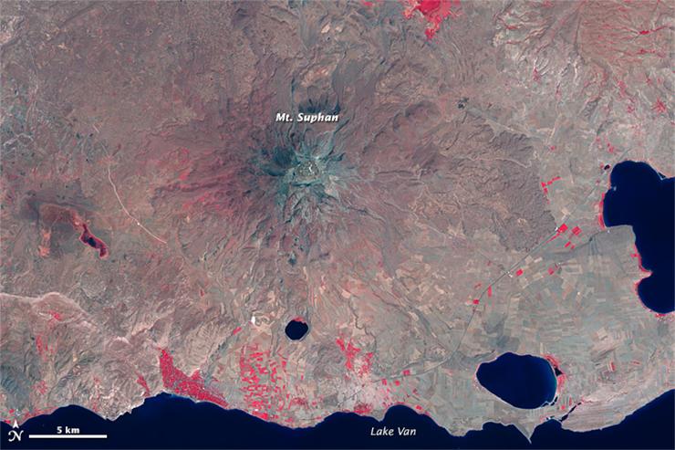 Landsat 8 image of Mt. Suphan in August 2014